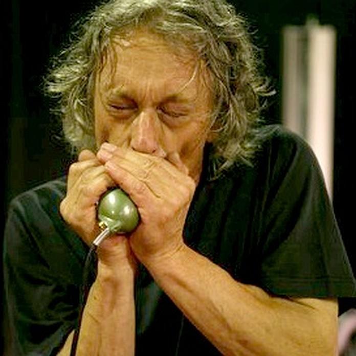 Foto von Jochen Warth an der Blues Harp